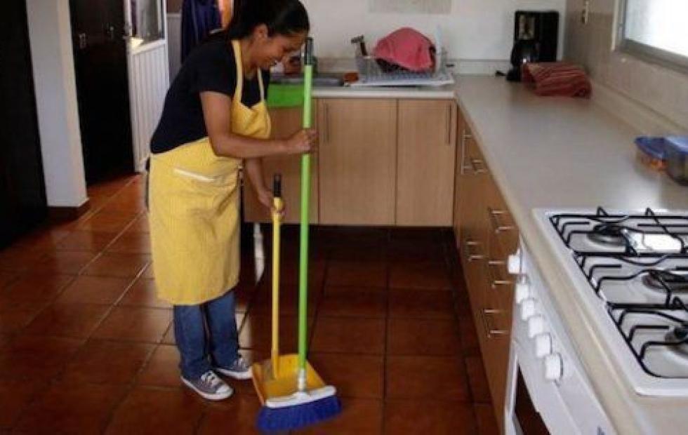 La mayoría del personal doméstico registrado cobra menos que un salario mínimo