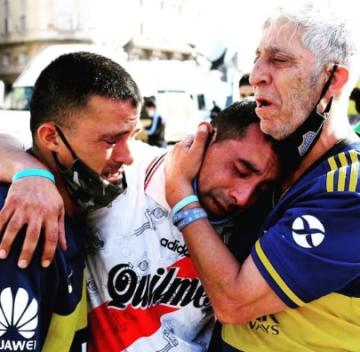 foto maradona.jpg