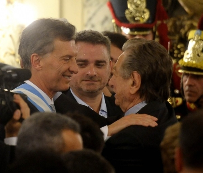 A días de su muerte, Macri acusó al padre de cometer delitos e intentó vincularlo al kirchnerismo