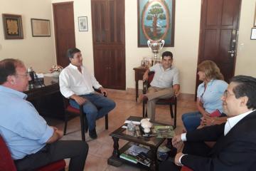 Reunión entre intendencia de Empedrado y el Ministerio de Industria%2c Trabajo y Comercio.jpg