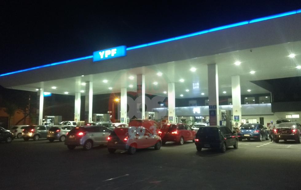 Sorpresivo: YPF aumentó la nafta 2,5% y 1,75% el gasoil
