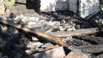 restos casa quemada.jpg