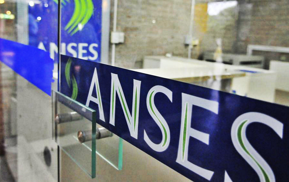 ANSES-AUH: Cuándo se cobra el bono de 1000 pesos y el monto extra