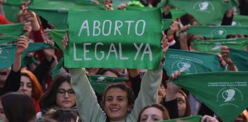 panuelazo-por-el-aborto-en___1HgW39k0_1256x620__1.jpg