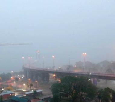 lluvia en el puente.jpg