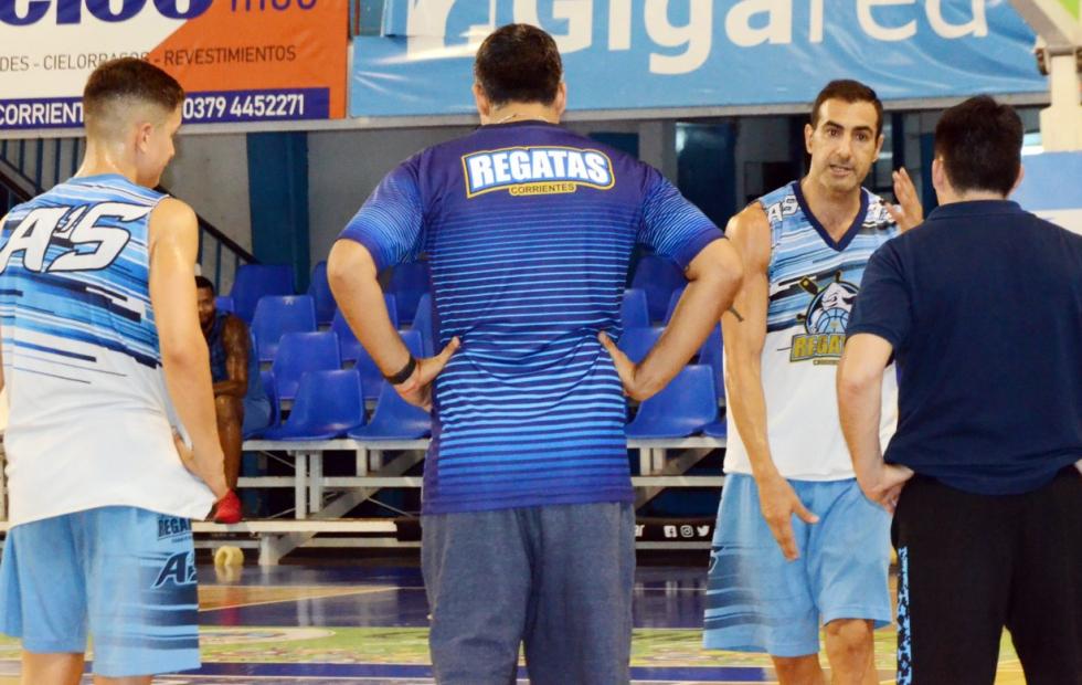 Paolo Quinteros continuará jugando en Regatas Corrientes