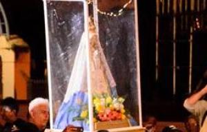 Peregrina de la esperanza: Tras recorrer la ciudad la Virgen de Itati estuvo en la Fiesta del Chamamé