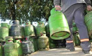 Gas: Una de las distribuidoras vuelve a cobrar $220 la garrafa de 10 Kilos