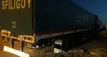 Camionero correntino paró a descansar en la Ruta 14 y le robaron