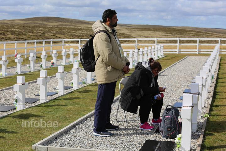 Islas-Malvinas-Cementerio-Darwin-13-03-19-62 (1).jpg
