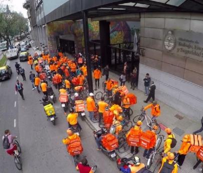 Ordenan reincorporar a trabajadores de plataformas bloqueados por formar un sindicato