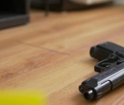 Una nena de segundo grado fue al colegio con un arma cargada en la mochila
