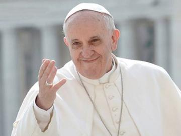 papa francisco sonrie.jpg