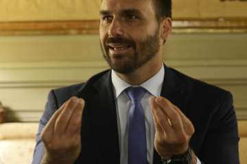 eduardo-bolsonaro-hijo-del-presidente___vCPsQgeAZ_1256x620__1.jpg