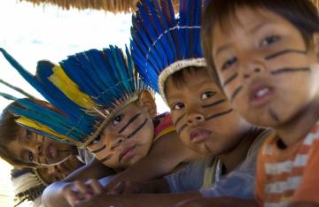 niños-guaranies-en-Río.jpg