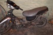 Llevaba arrastrando una moto y no pudo fundamentar el hecho: Quedó preso