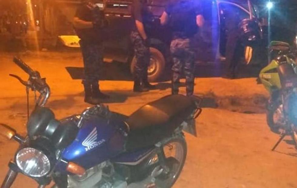 Insólito: Vecinos ayudaron a escapar a motochorros en Corrientes