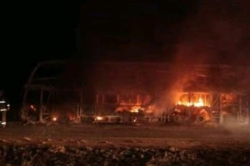 Corrientes: Impactante incendio de un colectivo sobre Ruta 14