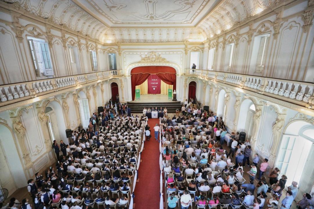 Escuela Mariano I Loza.jpeg