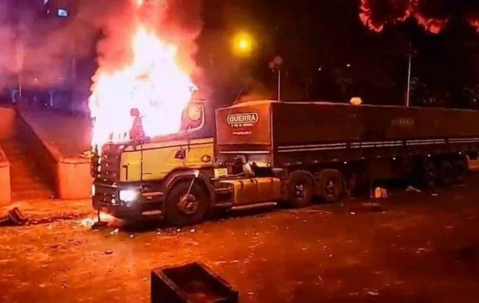 Disturbios y represión tras el anuncio de regreso a fase cero de la cuarentena en Ciudad del Este