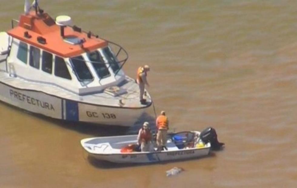 El cadáver hallado mientras flotaba en el río Paraná pertenece a un hombre
