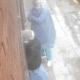 Llegaron para hacer hisopados y terminaron robándole a una jubilada