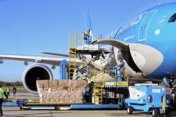Carga. Un Airbus 330 de Aerolíneas Argentinas volará a las 19.30 a Moscú. Volverá con la primera carga de vacunas.
