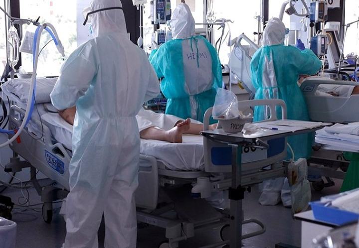 """Médicos dicen que el sistema de salud en Argentina """"está a punto de colapsar"""""""