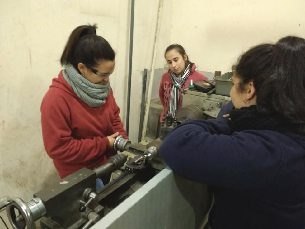 estudiantes_de_corrientes_disenan_y_construyen_aparatos_de_gimnasia_adaptados_para_personas_con_discapacidad_motriz.jpg