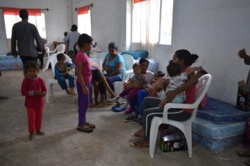 municipio_brinda_asistencia_en_tres_centros_de_evacuados.jpg