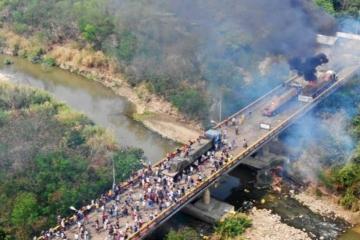 ayuda quemada venezuela.jpg