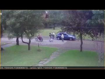 Violento robo de motochorros a madre e hija