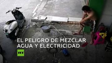 Un hombre se salva a sí mismo de morir electrocutado en China