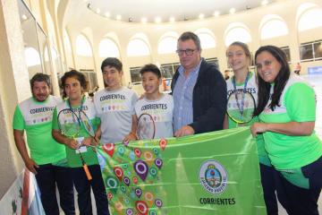 003-equipo-de-badminton-campeones-en-masculino-y-subcampeones-en-femenino.jpg