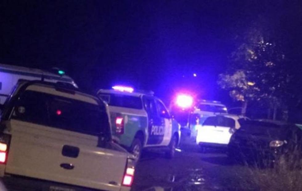 Una pandilla atacó a un policía y lo dejó en terapia intensiva