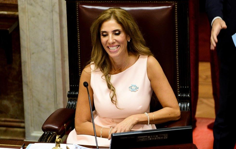Quién es la Senadora que quedó provisoriamente a cargo de la Presidencia de la Nación