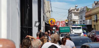 Pago de sueldos Corrientes cajeros.jpg