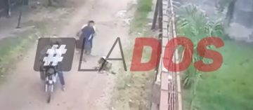 Indignante: Motochorros golpean a una mujer y la dejan tirada