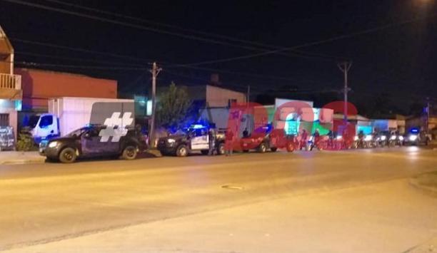 Fotos y videos: megaoperativo policial por el caso de la mujer con coronavirus en el barrio San Marcos