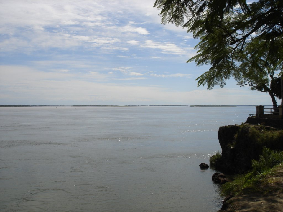 río Parana Gentileza Mapio.net.jpg