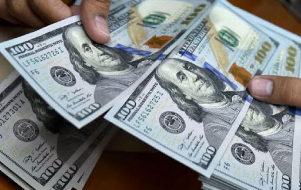 Compras en dólares: el detalle del nuevo recargo del 35% a cuenta de Ganancias y Bienes Personales