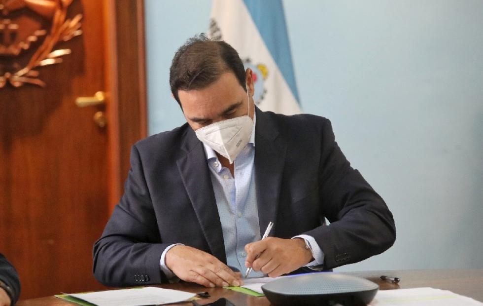 Corrientes: Gustavo Valdés firmó convenio nacional para realizar obras en 23 localidades