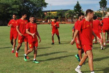 Boca Unidos entrenando 12.jpg