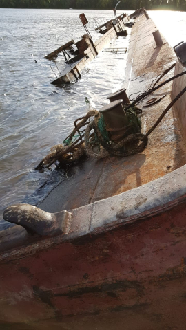 barcaza 2.jpg