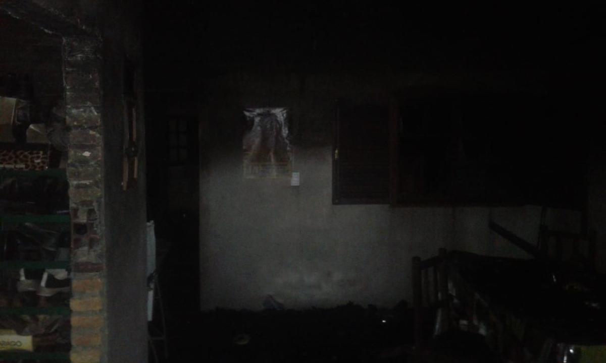 incendio valentin gomez 2.jpg