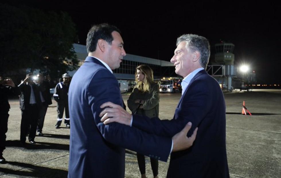 """""""Bienvenido a Corrientes chamigo"""": Mauricio Macri llegó a la ciudad para la marcha del #SiSePuede"""