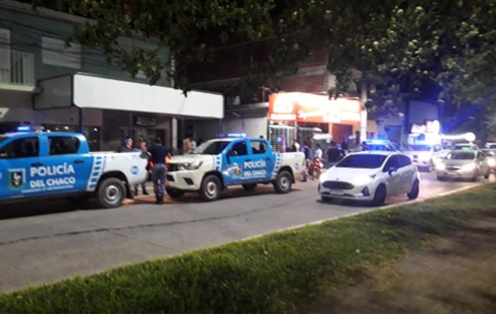 Impactante video: Un tiroteo en pleno centro de Resistencia terminó con un policía herido