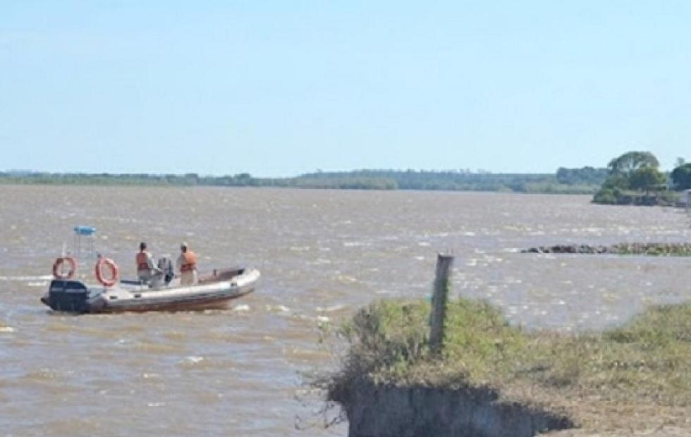 Hallaron el cuerpo del penitenciario que se ahogó tras salvar a su hijo en el Paraná