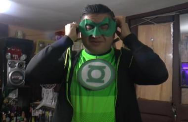profesor-superheroe-cuarentena-clases-virtuales-1-640x415.png