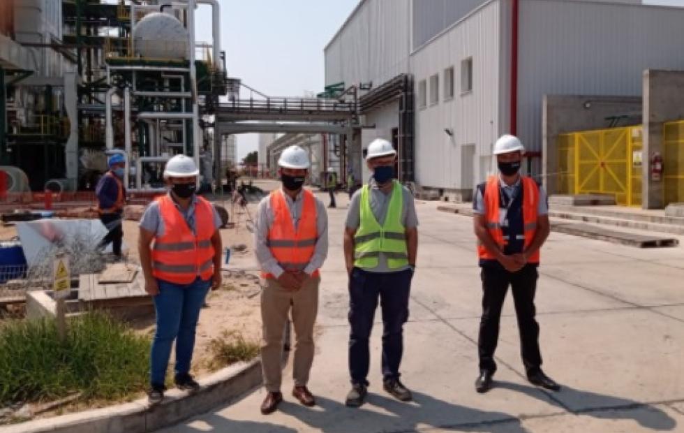 Migraciones colabora con regularización de residencia para extranjeros que trabajan en la planta de biomasa de Santa Rosa